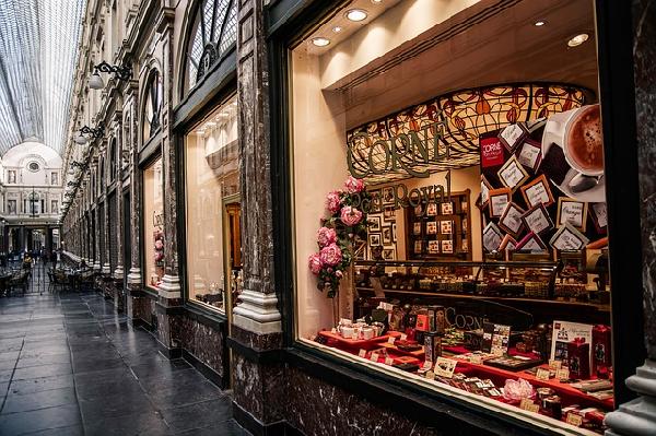 バレンタインにチョコを贈る始まりはソニー?起源の真実