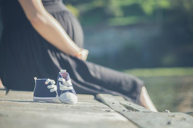 新生児に必要な服の枚数はママのライフスタイルに合わせて準備しよう