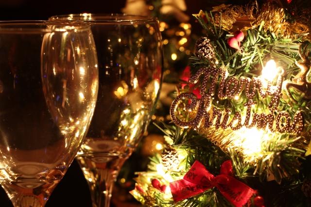クリスマスプレゼントイブに気になる女性と食事!贈るもので悩んだら