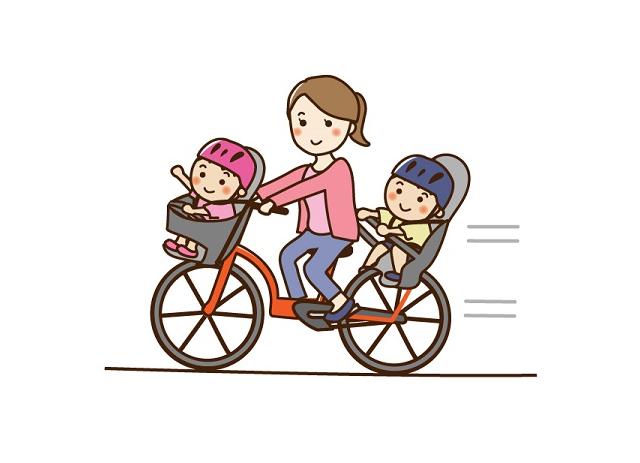 赤ちゃんが自転車用ヘルメットを嫌がる!ずれる場合のアイデアも紹介