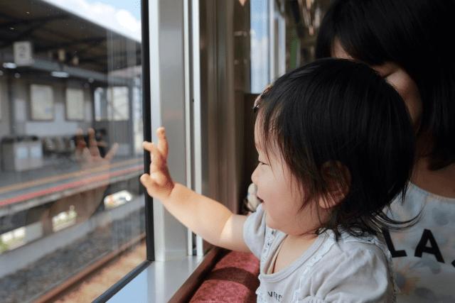 赤ちゃんの旅行はいつから出来る?おすすめの場所と必須の持ち物